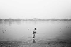 Emptyness (Yoh_click_O_maniac) Tags: life street people urban blackandwhite india black love monochrome canon photography photo photos streetphotography dailylife stories kolkata