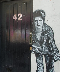 Ziggy Lives at 42 (G Reeves) Tags: street city people urban musician music outside sussex landscapes town bowie nikon brighton guitar streetphotography singer metropolis eastsussex ziggy davidbowie urbanlandscapes electricguitar acousticguitar garyreeves nikond5100