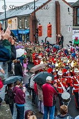 Royal Welsh fusiliers In Bargoed (Steve Purnell Photography) Tags: army freedom march band rifles parade celebration soldiers guns marchingband firearms batallion rwf royalwelshfusiliers bayonets