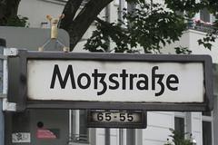 051 Motzstrae (Alte Wilde Korkmnnchen) Tags: berlin schneberg littlepeople keinaltewildekorkmnnchen keinjoyfox corklittleman