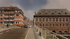 rue du pont (Namur) (Yasmine Hens) Tags: road bridge europa flickr belgium sony ngc pont rue namur hens yasmine wallonie iamflickr flickrunitedaward sonyrx10m3 hensyasmine