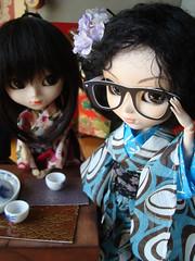 Que vergenza! (Tokio en Osaka) 10 (Lunalila1) Tags: japan glasses outfit doll track handmade lan groove osaka kimono gafas pullip viii fh kuro ai lanai veritas ueda takagi quimono shizuka japanesse rioko junplaning fotohistoria youtsuzu tokioenosaka