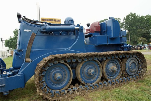 UK, Woolpit Steam Rally, Vickers VR180 Vigor Bulldozer II