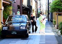 Geiko's life (Myajima) Tags: japan kyoto taxi geiko geisha  gion japon nihon