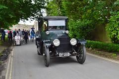 Vintage Car (PD3.) Tags: street white castle fun harbour band hampshire lane hart float gala floats fareham portchester hants