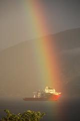 Regnbue -|- Rainbow (erlingsi) Tags: regnbue rainbow volda ship norway midsummer midtsommer jonsok sthans akerwayfarer arcoiris regnboge