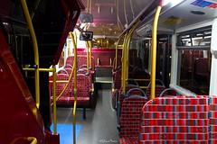 Route N26 - 2505 CT Plus - Enviro 400 City (LFaurePhotos) Tags: bus london night interior trafalgarsquare charingcross upholstery moquette centrallondon 2505 ctplus lowersaloon routen26 sn16ohu