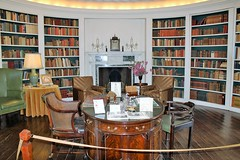 Ladew Manor House ~ Oval Library - HWW! (karma (Karen)) Tags: ladewmanorhouse monkton maryland harfordco mansions estates ovallibrary books bookcases tables chairs partnerdesk fireplaces mantles clocks lamps
