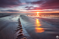 Hvaleyrin (Gujn Ott) Tags: sunset sea sky cloud reflection beach nature water landscape sand waves gravel sjr nttra vatn sk himinn fjara sandur speglun landslag ott slsetur canonef1740mmf40lusm ldur ml hvaleyrin canoneos5dmarkii leebigstopperfilter singhrayreversendgraduatedfilter
