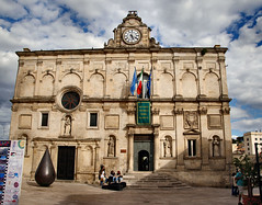 Palazzo Lanfranchi......... (atsjebosma) Tags: old travel italy museum stairs ancient statues beelden matera palazzo oldcity cloudysky itali trappen lanfranchi 2013 atsjebosma mygearandme mygearandmepremium mygearandmebronze mygearandmesilver