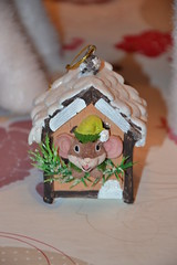 House Mouse (Girly Toys) Tags: décoration de noël christmas decoration suspension hanging guirlande garland boule ball personnage characters figurine figure sapin fir lumineuse tree bright light collection père santa claus house mouse maison souris missliliedolly miss lilie dolly aurelmistinguette girly toys collectible girlytoys