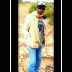 Sam photographer (سامر اللسل) Tags: me rose follow jeddah followme البحرين منصوري عمان تصويري جدة الباحه مصور الطائف فوتوغرافي الجنوب {vision}:{outdoor}=0544 {vision}:{text}=0525 {flickrandroidapp}:{filter}=none