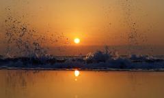 Good Morning! - EXPLORED! Thank you :-) (Fotomondeo) Tags: sea españa sun sol valencia sunrise mar spain waves playa alicante amanecer olas salidadelsol playadesanjuan