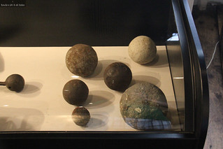 Westfries Museum: cannon balls from the violent days of the Spice Trade