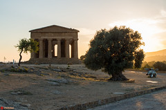 Sunset over the Temple of Concordia (PatrickWilmink) Tags: sunset italy temple pentax concordia sicily agrigento k500
