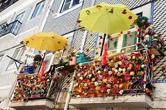 Flowery Lisbon (tk moraes) Tags: portugal lisboa lisbon europe eurotrip travel landscape cityscape city architecture buildings photography exposure sony dsc sonydsc