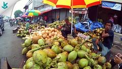Hal yang dilakukan di saat Ramadan sore hari menjelang magrib, yaitu mencari takjil. Kelapa muda di pasar lama ini, salah satunya yang bisa menu takjil untuk berbuka. #takjil #ramadan2016 #pasarlama #dugan #coconut #ice #kuliner #culinary #serang #kotaser (kotaserang) Tags: ice menu indonesia coconut ini yang di lama hal hari ramadan saat culinary kelapa pasar salah muda berbuka sore dugan untuk bisa serang magrib menjelang banten kuliner mencari dilakukan satunya takjil kotaserang instagram ifttt pasarlama yaitu httpkotaserangcom ramadan2016