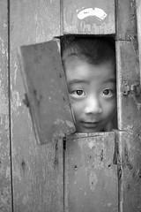 Hello. (hyunse0) Tags: door portrait people streetphotography korea