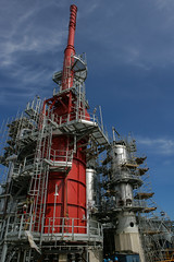 Refinery column-I (algimantas_tirlikas) Tags: chimney building work outdoor pipeline rafinery