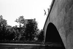 drop (gato-gato-gato) Tags: street leica bw white black classic film blanco monochrome analog 35mm person schweiz switzerland flickr noir suisse strasse zurich negro streetphotography pedestrian rangefinder human streetphoto mp manual monochrom zrich svizzera weiss zuerich blanc summilux ilford m6 manualfocus analogphotography schwarz ch wetzlar onthestreets passant mensch leicam6 zurigo filmphotography streetphotographer homedeveloped fussgnger aspherical manualmode zueri leicamp strase filmisnotdead streetpic leicasummilux35mmf14asph messsucher manuellerfokus gatogatogato fusgnger leicasummiluxm35mmf14 mechanicalperfection gatogatogatoch wwwgatogatogatoch streettogs believeinfilm tobiasgaulkech