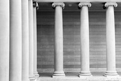 Colonnades at the Legion of Honor Museum (WyattLeeArnold) Tags: 6d 50mm14 legionofhonor sanfrancisco tonal ruleofthirds