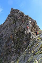 il Primo Ostacolo (Roveclimb) Tags: mountain alps climb suisse hiking crest ridge climbing mountaineering alpinismo svizzera alpi montagna klettern arrampicata cresta alpinism arete splugen spluga arista escursionismo suretta graubunden grigioni seehorn rothornli surettaluckli
