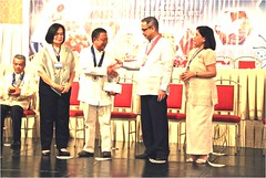Dr. C Receiving the NRCP  2012 Achievement Award (Verr 54) Tags: dr award severino achievement 2012 capitan nrcp
