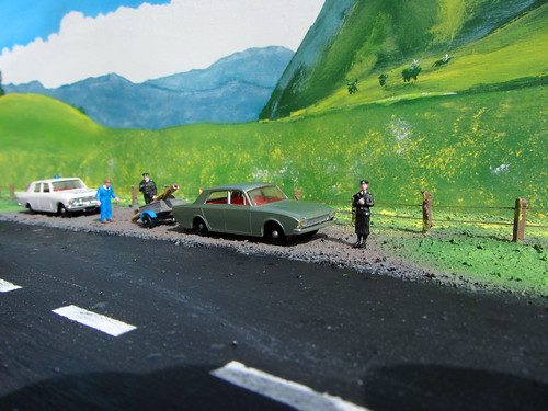 Matchbox Toys Ford Corsair No.45 1965 And Ford Zephyr 6 No.33 1963 Restoration And Conversion : Diorama - 17 Of 93