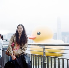 out of focus... (Gregory Wu) Tags: film ic kodak w ikoflex hong kong rubberduck f35 75mm tessar