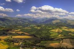 Campagna marchigiana (Fil.ippo) Tags: travel italy panorama landscape nikon country campagna camerino hdr filippo marche paesaggio bianchi marches d7000