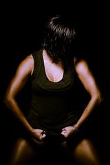 Halterofilismo / Weightlifting (Helder Faria) Tags: she portrait lady female diy nikon women warm muscle retrato mulher weightlifting softbox quente msculo 105mm d600 adna musculao caseiro difusor halterofilismo