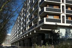 Lille, rue de Paris, architecture moderne (Ytierny) Tags: france horizontal architecture moderne lille btiment faade nord immeuble edifice mtropole flandre ruedeparis citflamande ytierny