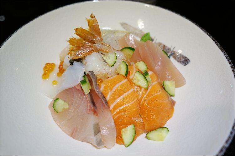 台中壽司推薦|一郎壽司。生魚片大~物有所值不錯