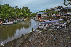 Jeti Nelayan Kampung Tok Muda - Scene 3 (Shamsul Hidayat Omar) Tags: tourism landscape photography boat fisherman scenery jetty scene malaysia hdr highdynamicrange bot selangor interestingplaces greatphotographers kapar nikond3 nikonhdr jetinelayan oloneophotoengine shamsulhidayatomar kampungtokmuda