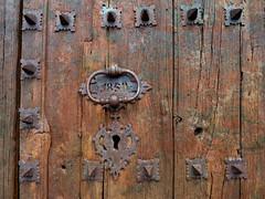 front portal of  Esglsia de Santa Maria la Major, Prades , Catalunia (jjamv) Tags: puerta madera rustic catalonia catalunya tarragona baixcamp priorat 1850 prades altcamp poble rstica jjamv esglsiadesantamarialamajor julesvtravel contest14rusticworldartmuseionchallenge
