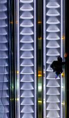 Next Floor (C_MC_FL) Tags: vienna wien light urban man reflection architecture modern stairs canon person photography eos austria licht moving sterreich fotografie pov escalator perspective stairway pointofview staircase stadt repetition architektur mann tamron spiegelung perspektive reflektion stufen rolltreppe lighted beleuchtet stdtisch blickwinkel 18270 60d b008