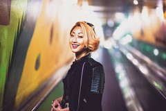 (andreas.strushka) Tags: street woman girl beautiful smile fashion high bokeh streetphotography iso bokehwhores