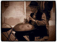 P6120032_01a (simonedanielis) Tags: street people music men monocromo strada persone uomo musica photograpy seppia allaperto percussioni