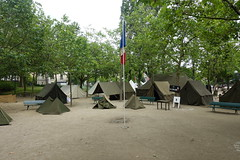 39-45 La France En Uniformes @ Parc Georges Brassens @ Paris (*_*) Tags: park city paris france history june french army spring uniform europe military saturday tent militaire armee georgesbrassens 2016