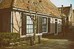 (farm) stadsboerderij, Grote Kerkstraat 62, Edam, Netherlands (C. Bien) Tags: urban history netherlands landscape nederland stedelijk landschap noordholland historie boerderij edam geschiedenis northholland gemvolendam