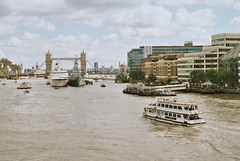 London (RoYaLHigHnEsS1) Tags: city color canonav1 london film water ferry thames river boat view iso 200 agfa