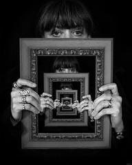 Nat (yannick Loncle) Tags: portrait en bijoux cadre bague abime mise