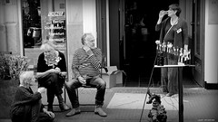 The Hague Art Society 125 years young... (jaap spiering   photographer) Tags: people blackandwhite bw monochrome noiretblanc zwartwit streetphotography denhaag nb mens thehague mensen 070 denneweg haagsekunstkring jaapspiering jaapspieringphotographer jaapspieringfotografie