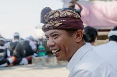 (kuuan) Tags: ltm portrait bali 35mm canon indonesia batcave traditional ceremony rangefinder laugh mf f2 manualfocus ubud 235 balinese goalawah m39 f235mm canonltmf235mm