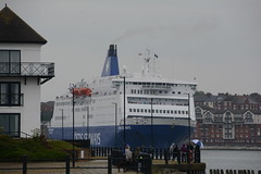 DFDS King (quintinsmith_ip) Tags: sea water ferry king ship ships cargo shipping rivertyne dfds
