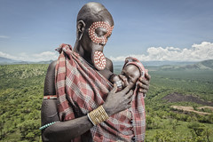 FernandezGarces-1 (Photo Folio Review Gallery - Rencontres d'Arles) Tags: africa baby breast feeding native traditional culture plate ornament valley omovalley lip breastfeeding ethiopia aboriginal tribe ornamental ethnic mursi indigenous ancestral omo tribesmen oromia lipplate marenke marenque