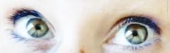 What?!... (nathaliedunaigre) Tags: blue iris woman selfportrait green closeup eyes autoportrait femme blurred vert yeux bleu blurr regard interrogation