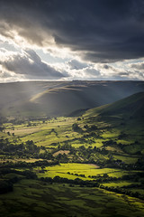 Slanting rays on the vale of Edale (Keartona) Tags: edale valley valeofpeak district derbyshire england english landscape slanting rays sunbeams sunlight light beautiful summer hills sky clouds countryside july