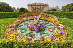 Wien _Stadtpark_Blumenuhr (TATJANA_2010) Tags: vienna wien flowers austria sterreich spring blumen stadtpark farben frhling blten farbenpracht blumenuhr farbenvielfalt