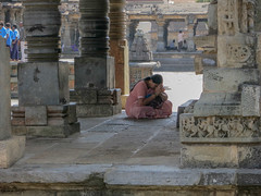 088 (1) (rufusruffin) Tags: people india temple culture hassan belur chennakesava